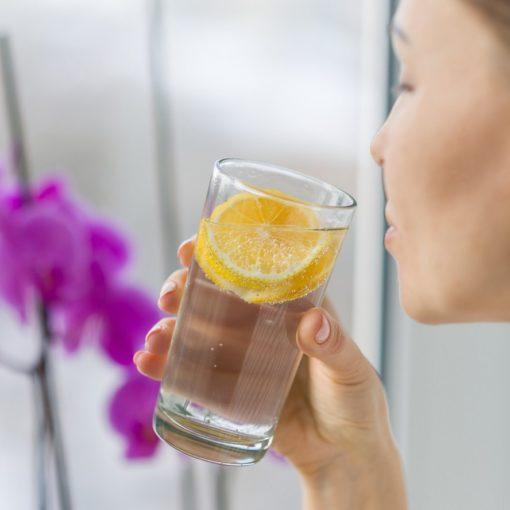 Boire de l'eau froide brûle-t-il plus de calories