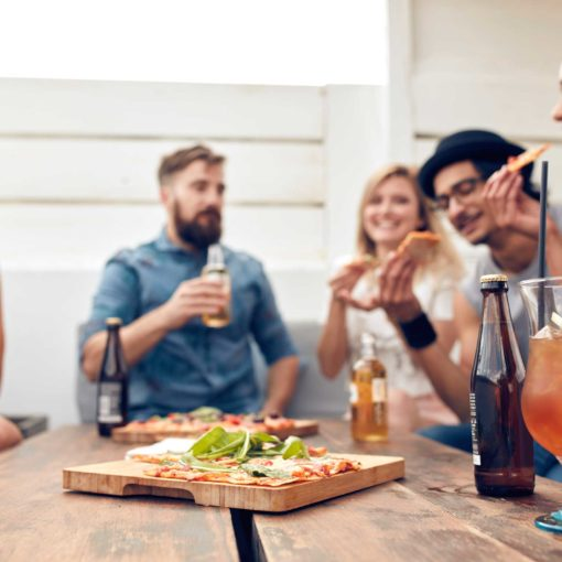 Comment manger plus sainement avec la famille et les amis
