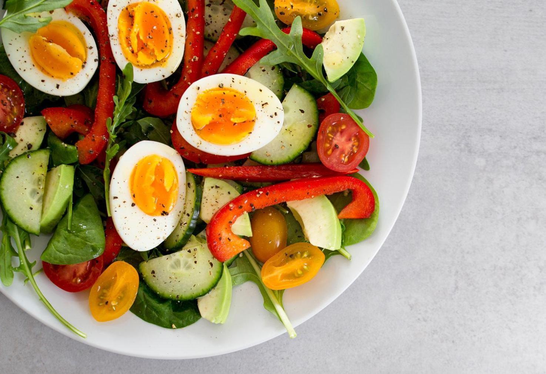 Devriez-vous compter les calories ou les glucides pour perdre du poids
